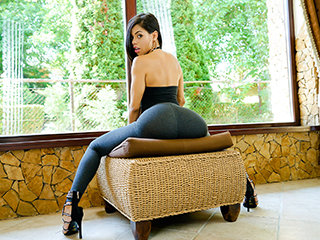 Wondrous Latina Flashes Us Her Postures